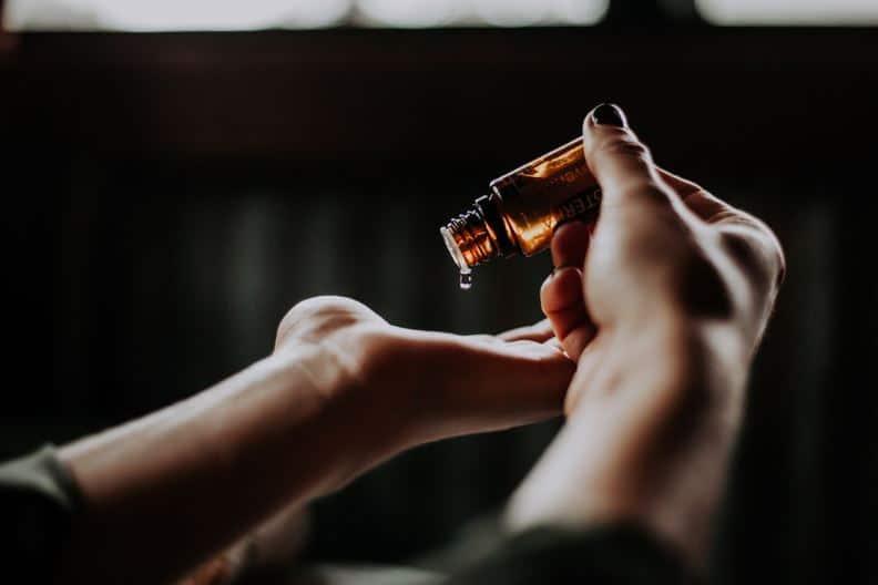 massage-huile-bio-bien-être-au-rendez-vous-nantes-bouguenais